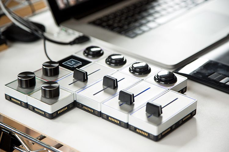 Palette Gear: Hands-on Control of your Favorite Software